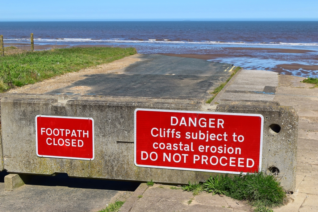 Road closed sign at Skipsea