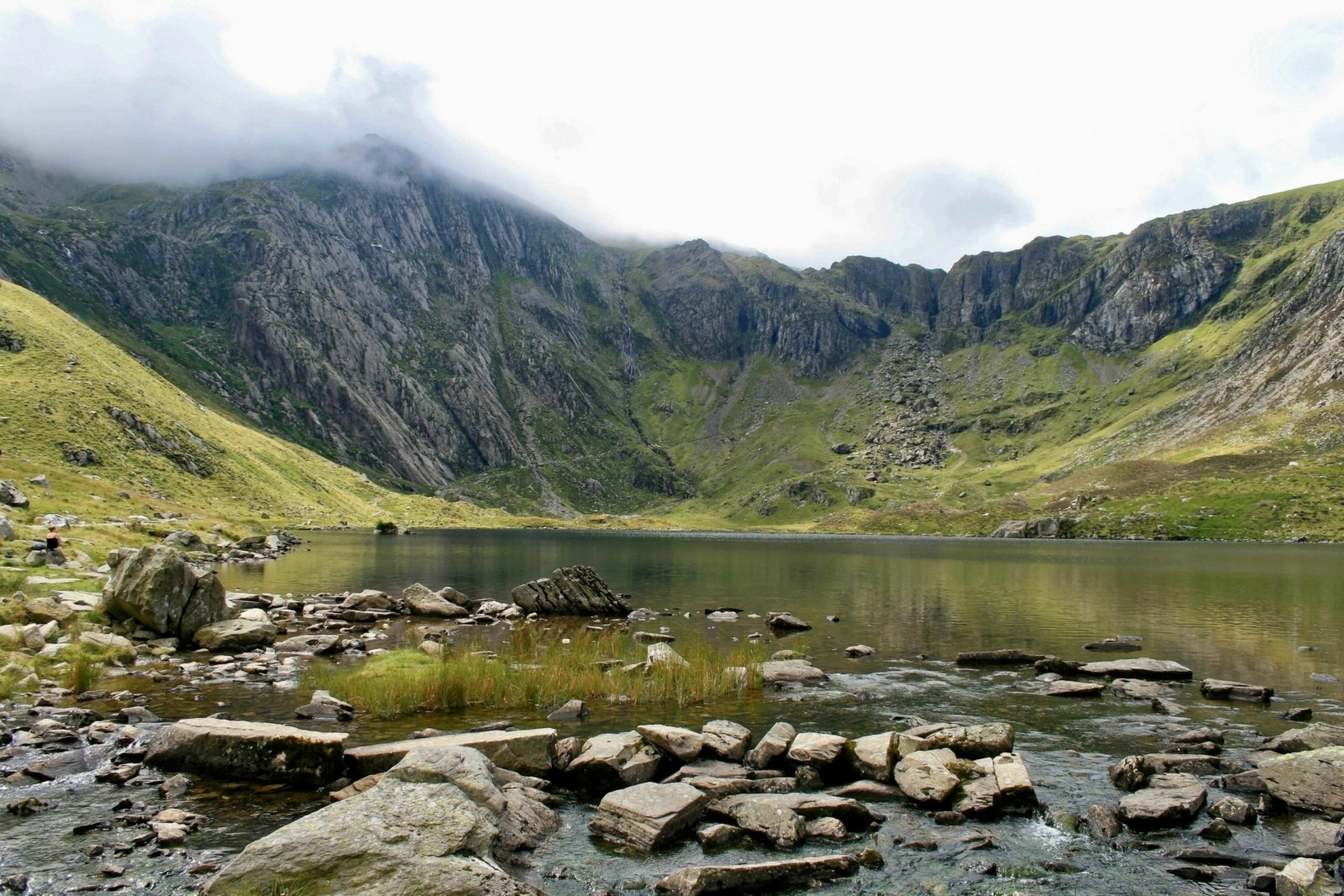 Cwm Ideal, a cwm (corrie) in Snowdonia, Wales.