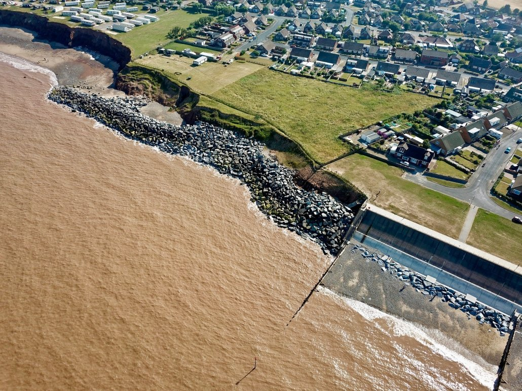 The image above shows the coastal defences to the south of Withernsea. These include a sea wall, wooden groyne and rock armour.