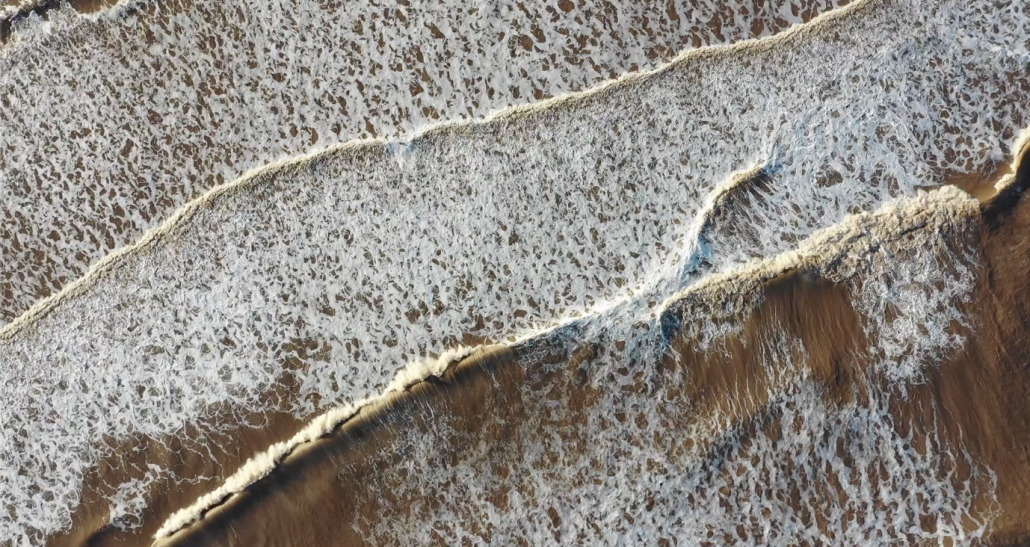 Constructive waves aerial
